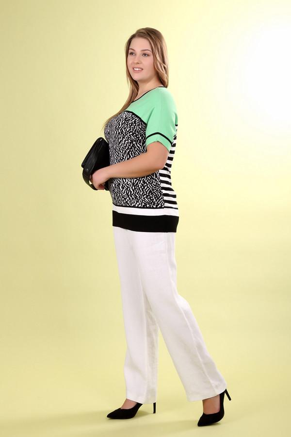 Пуловер BaslerПуловеры<br>Пуловер фирмы Basler состоит из разноцветных принтеров. Рукава и низ пуловера декорирован черными полосками. Пуловер имеет ворот округлой формы. Изделие состоит из 90% вискозы и 10% полиэстера.<br><br>Размер RU: 52<br>Пол: Женский<br>Возраст: Взрослый<br>Материал: вискоза 90%, полиэстер 10%<br>Цвет: Разноцветный