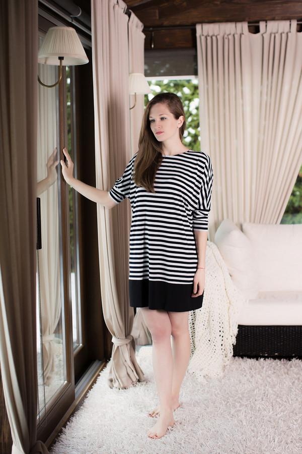 Платье MARUSЯПлатья<br><br><br>Размер RU: 48/50<br>Пол: Женский<br>Возраст: Взрослый<br>Материал: вискоза 100%<br>Цвет: Белый