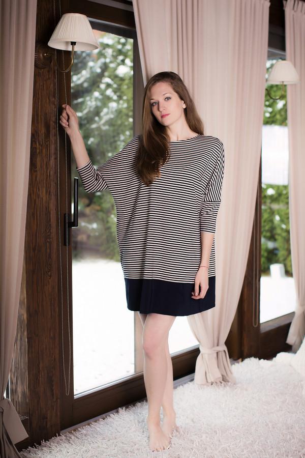 Платье MARUSЯПлатья<br><br><br>Размер RU: 52/54<br>Пол: Женский<br>Возраст: Взрослый<br>Материал: вискоза 100%<br>Цвет: Белый