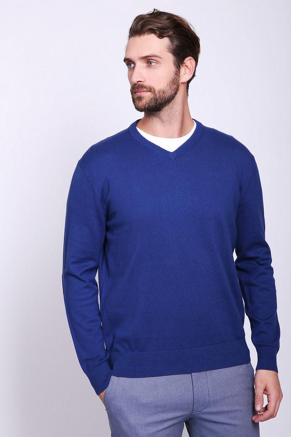 Джемпер Just ValeriДжемперы и Пуловеры<br>Джемпер мужской синего цвета фирмы Just Valeri. Ткань состоит из 95% хлопка и 5% кашемира. Модель выполнена прямым покроем. Джемпер дополнен V- образным вырезом, длинными рукавами с заплатками черного цвета, Все детали обшиты вязаной резинкой. Гармонировать может с брюками классического фасона.