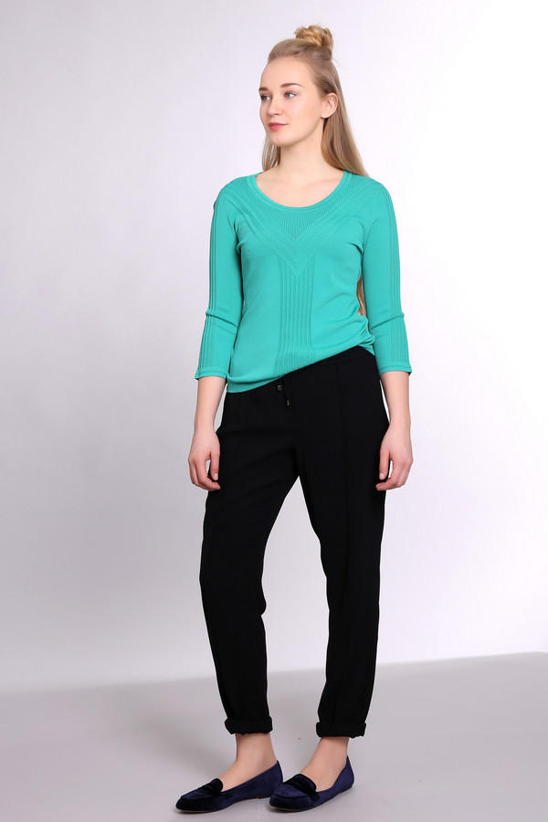 Пуловер PezzoПуловеры<br><br><br>Размер RU: 54<br>Пол: Женский<br>Возраст: Взрослый<br>Материал: нейлон 37%, район 63%<br>Цвет: Зелёный