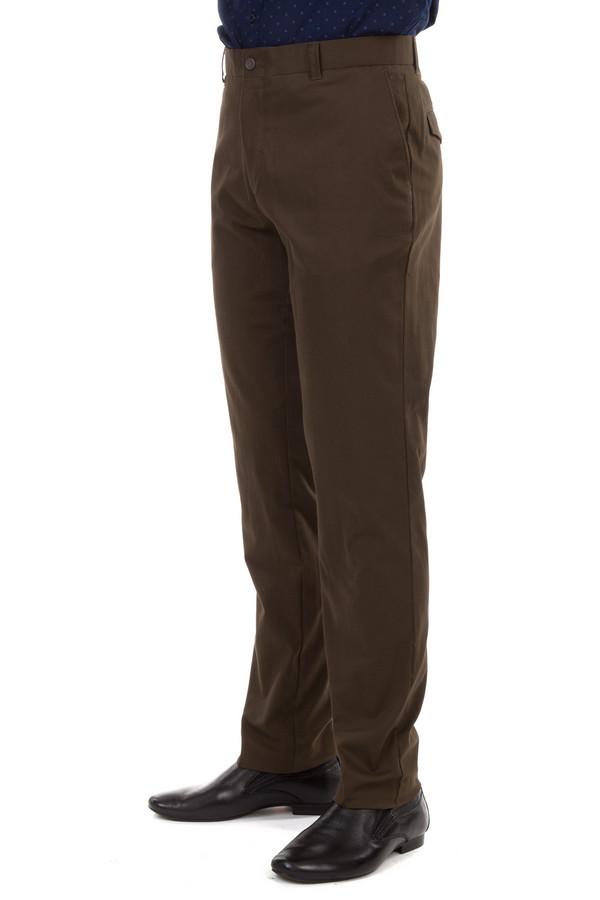 Классические брюки Just ValeriКлассические брюки<br>Мужские брюки Just Valeri коричневого цвета. Модель дополнена пятью карманами и шлевками для ремня. Изделие застегивается на молнию и фиксируется на пуговицу.<br><br>Размер RU: 46<br>Пол: Мужской<br>Возраст: Взрослый<br>Материал: хлопок 98%, эластан 1%<br>Цвет: Коричневый