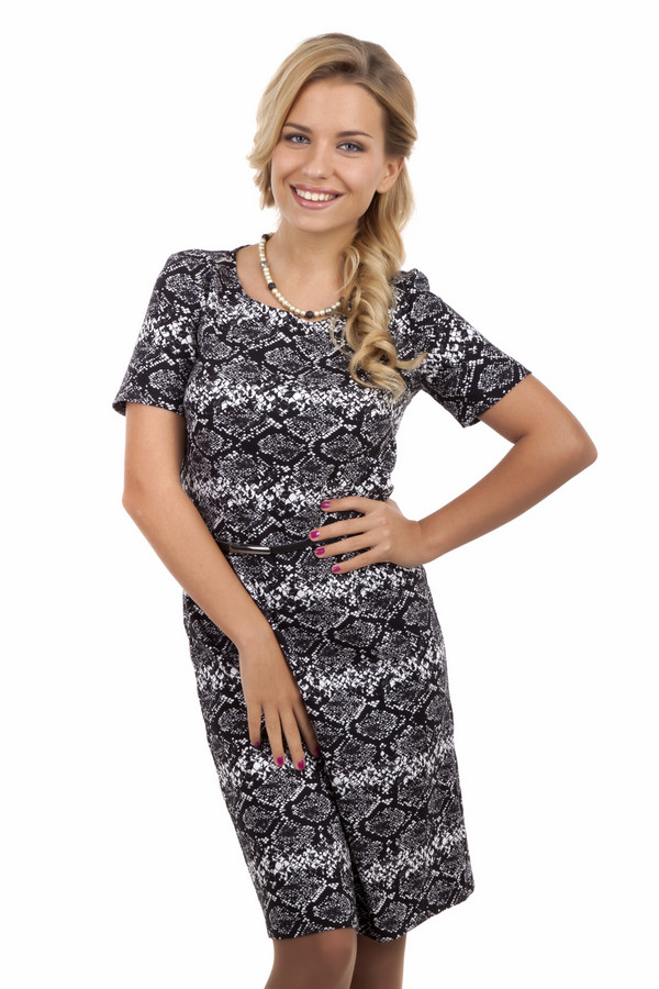 Платье Betty BarclayПлатья<br>Черно-белое платье Betty Barclay c змеиным принтом. Изделие дополнено: круглым вырезом, короткими рукавами и тонким ремешком на талии. Платье выполнено из высококачественного материала приятного на ощупь.<br><br>Размер RU: 40<br>Пол: Женский<br>Возраст: Взрослый<br>Материал: эластан 4%, полиамид 22%, хлопок 74%<br>Цвет: Разноцветный