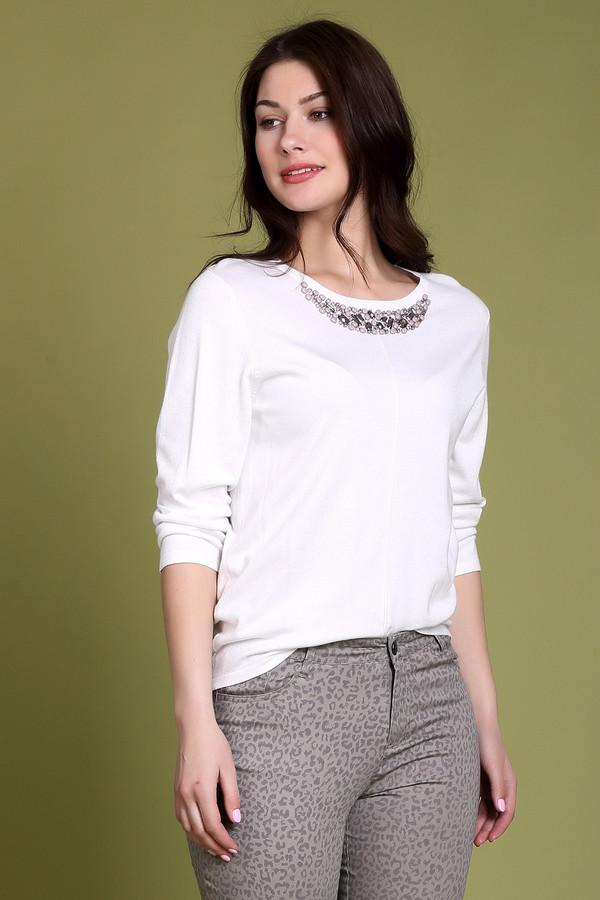 Пуловер PezzoПуловеры<br><br><br>Размер RU: 48<br>Пол: Женский<br>Возраст: Взрослый<br>Материал: полиамид 19%, вискоза 81%<br>Цвет: Белый