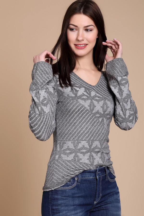 Пуловер Just ValeriПуловеры<br><br><br>Размер RU: 48<br>Пол: Женский<br>Возраст: Взрослый<br>Материал: эластан 1%, вискоза 92%, полиамид 7%<br>Цвет: Серый