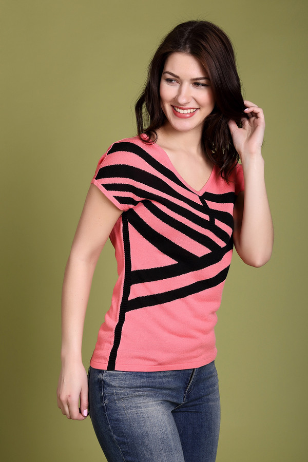 Пуловер PezzoПуловеры<br><br><br>Размер RU: 50<br>Пол: Женский<br>Возраст: Взрослый<br>Материал: вискоза 70%, хлопок 30%<br>Цвет: Чёрный