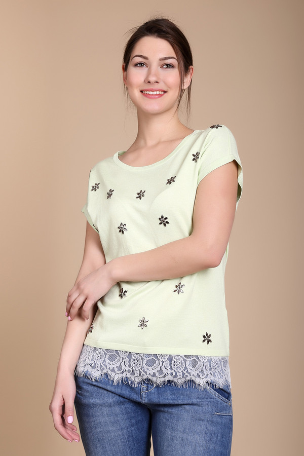 Пуловер PezzoПуловеры<br><br><br>Размер RU: 44<br>Пол: Женский<br>Возраст: Взрослый<br>Материал: полиамид 19%, вискоза 81%, Состав_отделка полиэстер 100%<br>Цвет: Разноцветный