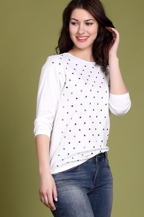 Пуловер PezzoПуловеры<br><br><br>Размер RU: 54<br>Пол: Женский<br>Возраст: Взрослый<br>Материал: полиамид 19%, вискоза 81%<br>Цвет: Белый