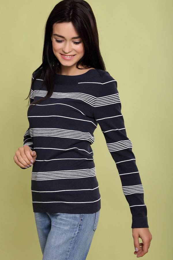 Пуловер PezzoПуловеры<br><br><br>Размер RU: 46<br>Пол: Женский<br>Возраст: Взрослый<br>Материал: эластан 3%, полиамид 17%, хлопок 48%, вискоза 32%<br>Цвет: Синий
