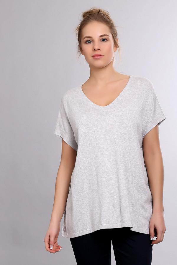 Пуловер PezzoПуловеры<br><br><br>Размер RU: 44<br>Пол: Женский<br>Возраст: Взрослый<br>Материал: полиамид 19%, вискоза 81%<br>Цвет: Серый