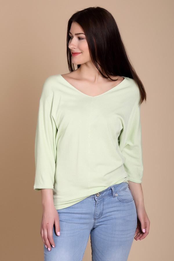 Пуловер PezzoПуловеры<br><br><br>Размер RU: 44<br>Пол: Женский<br>Возраст: Взрослый<br>Материал: полиамид 19%, вискоза 81%<br>Цвет: Зелёный