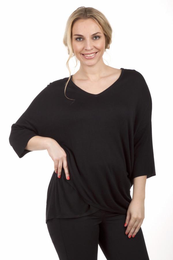 Пуловер Via AppiaПуловеры<br>Пуловер Via Appia черного цвета подходит для ежедневного ношения. Свободный крой позволит вам чувствовать себя комфортно, а также сгладит недостатки вашей фигуры. Широкий ворот можно украсить шарфом или бижутерией. В нижнем левом углу пуловера есть дизайнерская складка, придающая изюминки образу. Одежда изготовлена из 100% вискозы, благодаря чему ее будет очень приятно носить.<br><br>Размер RU: 50<br>Пол: Женский<br>Возраст: Взрослый<br>Материал: вискоза 100%<br>Цвет: Чёрный
