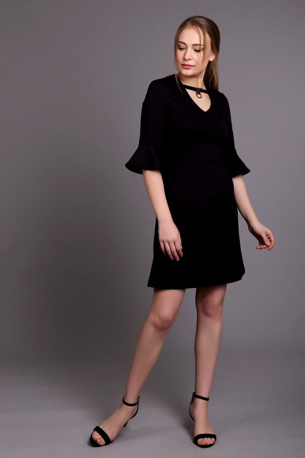 Платье ArgentПлатья<br><br><br>Размер RU: 44<br>Пол: Женский<br>Возраст: Взрослый<br>Материал: полиэстер 30%, вискоза 65%, лайкра 5%<br>Цвет: Чёрный