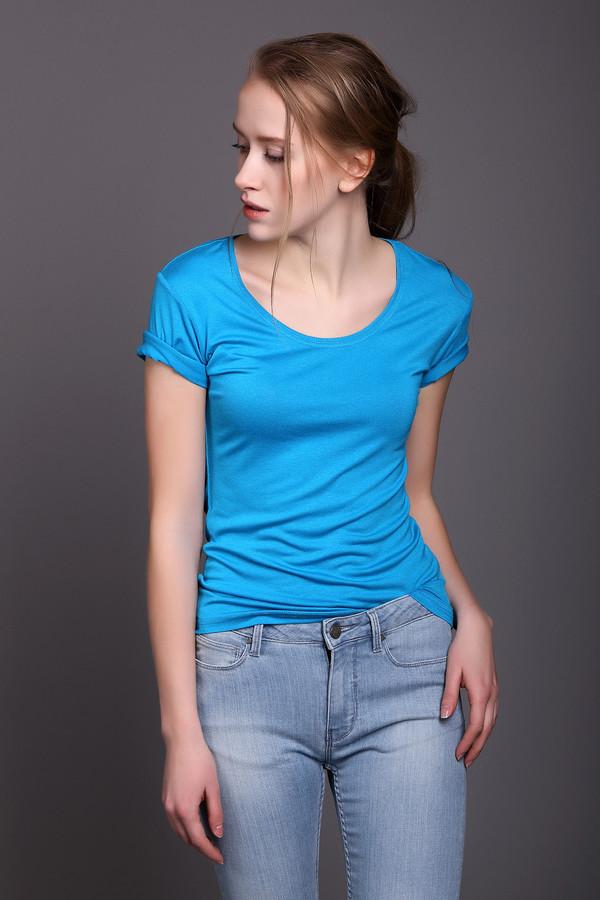 Футболка PezzoФутболки<br><br><br>Размер RU: 46<br>Пол: Женский<br>Возраст: Взрослый<br>Материал: эластан 5%, вискоза 95%<br>Цвет: Голубой
