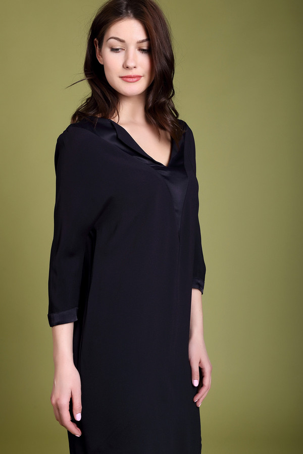 Платье CommaПлатья<br><br><br>Размер RU: 44<br>Пол: Женский<br>Возраст: Взрослый<br>Материал: эластан 2%, вискоза 98%<br>Цвет: Чёрный
