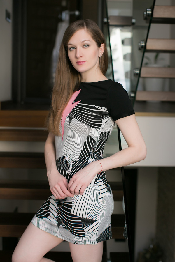 Платье PENYE MOODПлатья<br><br><br>Размер RU: 46<br>Пол: Женский<br>Возраст: Взрослый<br>Материал: эластан 6%, вискоза 94%<br>Цвет: Разноцветный