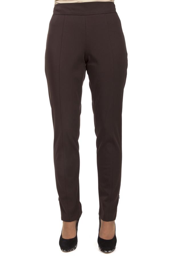 Брюки PezzoБрюки<br>Коричневые обтягивающие брюки Pezzo прямого кроя с классическими стрелками. Изделие дополнено разрезами на внешней стороне брючин.<br><br>Размер RU: 50<br>Пол: Женский<br>Возраст: Взрослый<br>Материал: спандекс 6%, нейлон 94%<br>Цвет: Коричневый