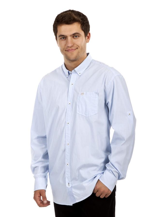 Рубашка с длинным рукавом s.OliverДлинный рукав<br>Белая рубашка в голубую полоску от бренда s.Oliver прямого кроя выполнена из плотного хлопкового материала. Изделие дополнено: отложным рубашечным воротником с застежками на пуговицах, нагрудным карманом и втачными рукавами с манжетами на пуговицах.<br><br>Размер RU: 44-46<br>Пол: Мужской<br>Возраст: Взрослый<br>Материал: хлопок 100%<br>Цвет: Разноцветный