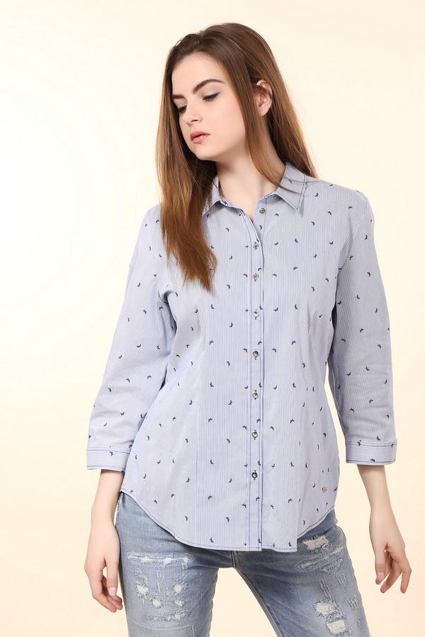 Блузa ErfoБлузы<br>Блуза синего цвета фирмы Erfo. Ткань состоит из 2% эластана, 76% хлопка и 22% полиамида. Модель дополнена откладным воротом с застежкой на пуговицы, втачными рукавами 3\4 длинны с манжетой на пуговицу. Низ блузы подшит полукругом с боковыми выемками. Блуза выполнена приталенным фасоном, благодаря застроченным складкам в области талии. Такая модель делает фигуру стройнее, не сковывает в движении.
