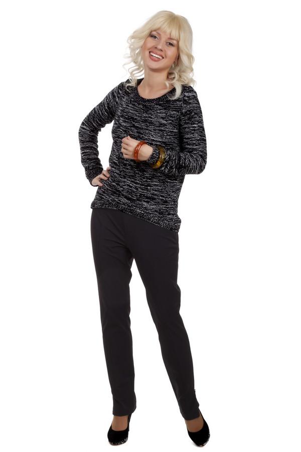 Брюки PezzoБрюки<br>Черные обтягивающие брюки Pezzo прямого кроя с классическими стрелками. Изделие дополнено разрезами на внешней стороне брючин.<br><br>Размер RU: 44<br>Пол: Женский<br>Возраст: Взрослый<br>Материал: спандекс 6%, нейлон 94%<br>Цвет: Чёрный