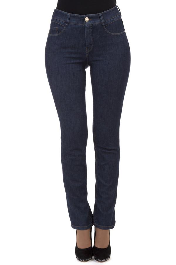 Классические джинсы GardeurКлассические джинсы<br>Женственные темно-синие джинсы от бренда Gardeur прилегающего кроя выполнены из хлопка с добавлением эластана. Изделие дополнено: шлевками для ремня, пятью стандартными карманами и застежкой молния с пуговицей.<br><br>Размер RU: 40<br>Пол: Женский<br>Возраст: Взрослый<br>Материал: эластан 14%, хлопок 86%<br>Цвет: Синий