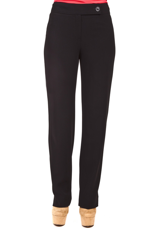 Брюки GardeurБрюки<br>Классические женские брюки от бренда Gardeur прямого кроя представлены в черном цвете. Изделие дополнено: стрелками и застежкой-молния с пуговицей. Брюки с лёгкостью дополнят деловой образ.<br><br>Размер RU: 42L<br>Пол: Женский<br>Возраст: Взрослый<br>Материал: полиэстер 89%, полиуретан 11%<br>Цвет: Чёрный