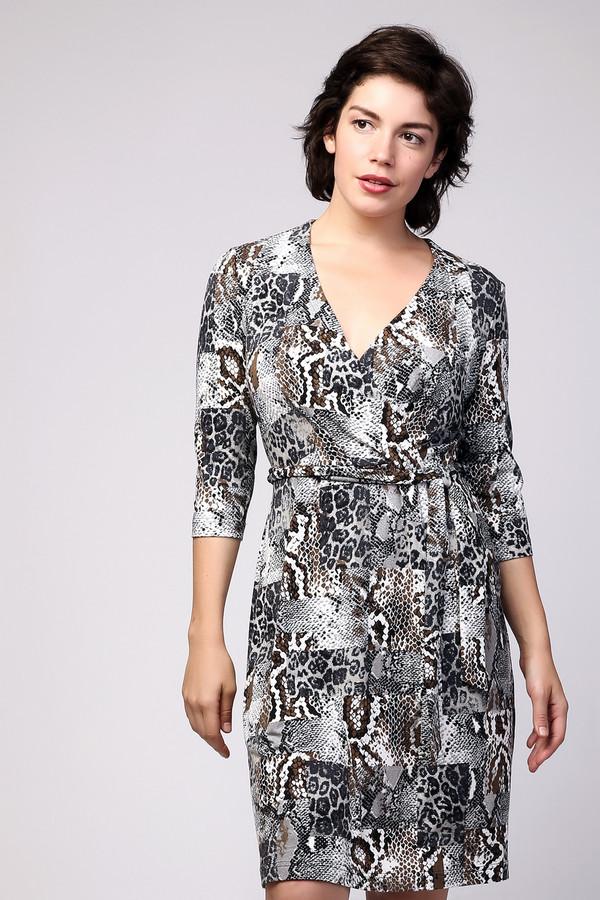 Платье MiltonПлатья<br><br><br>Размер RU: 44<br>Пол: Женский<br>Возраст: Взрослый<br>Материал: вискоза 95%, лайкра 5%<br>Цвет: Серый