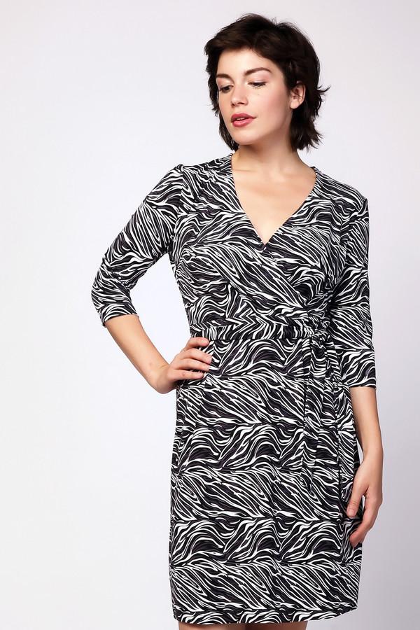 Платье MiltonПлатья<br><br><br>Размер RU: 48<br>Пол: Женский<br>Возраст: Взрослый<br>Материал: вискоза 95%, лайкра 5%<br>Цвет: Разноцветный