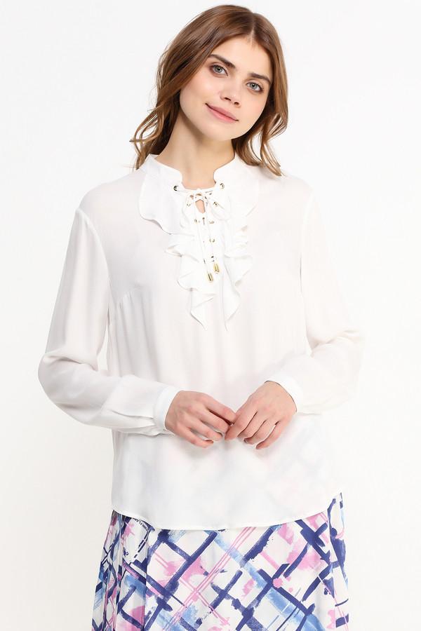 Блузa FINN FLAREБлузы<br>Симпатичная белая блузка свободного кроя – обязательный элемент гардероба любой девушки. И на работу, и на встречу с друзьями, и на выставку – такая модель будет везде уместна, если грамотно к ней подобрать низ и аксессуары. Прямой крой позволит ее заправлять в юбку или брюки. Ворот украшен рюшами и шнуровкой до середины груди.<br><br>Размер RU: 50<br>Пол: Женский<br>Возраст: Взрослый<br>Материал: вискоза 100%<br>Цвет: Белый