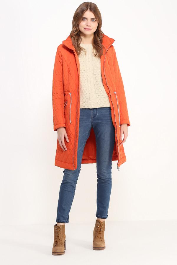 Пальто FINN FLAREПальто<br>Симпатичное стёганое пальто длиной до колена обеспечит вам тепло и комфорт в демисезонную погоду. Талия регулируется утяжками-шнурками. Модель имеет прорезные карманы на молнии, застёгивается также на молнию. Капюшон съемный. Подкладка и утеплитель выполнены из полиэстера, обладающего незаменимыми свойствами по отводу влаги от поверхности кожи.<br><br>Размер RU: 44<br>Пол: Женский<br>Возраст: Взрослый<br>Материал: полиэстер 100%<br>Цвет: Оранжевый