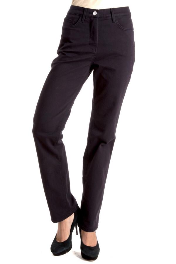 Брюки PezzoБрюки<br>Черные женские брюки Pezzo прямого кроя. Модель дополнена пятью стандартными карманами и шлевками для ремня. Изделие застегивается на молнию и фиксируется на пуговицу. Сзади карманы оформлены оригинальной вышивкой в цвет изделия.<br><br>Размер RU: 50<br>Пол: Женский<br>Возраст: Взрослый<br>Материал: эластан 1%, хлопок 58%, полиэстер 27%, вискоза 14%<br>Цвет: Чёрный