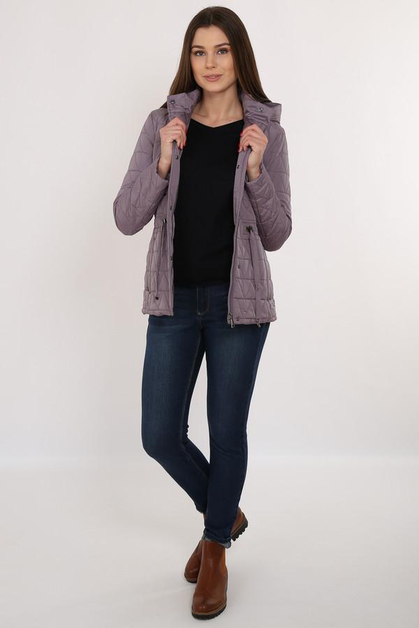 Куртка FINN FLAREКуртки<br>Приталенная стёганая куртка – необходимый вариант демисезонной верхней одежды. Модель оснащена съёмным капюшоном. По талии идет утяжка шнурками, что позволит сделать ваш силуэт еще более привлекательным. Куртка застёгивается на молнию и планку с пуговицами-кнопками. Подкладка и утеплитель выполнены из полиэстера, известного своими влагоотводящими качествами.<br><br>Размер RU: 44<br>Пол: Женский<br>Возраст: Взрослый<br>Материал: полиэстер 100%<br>Цвет: Серый