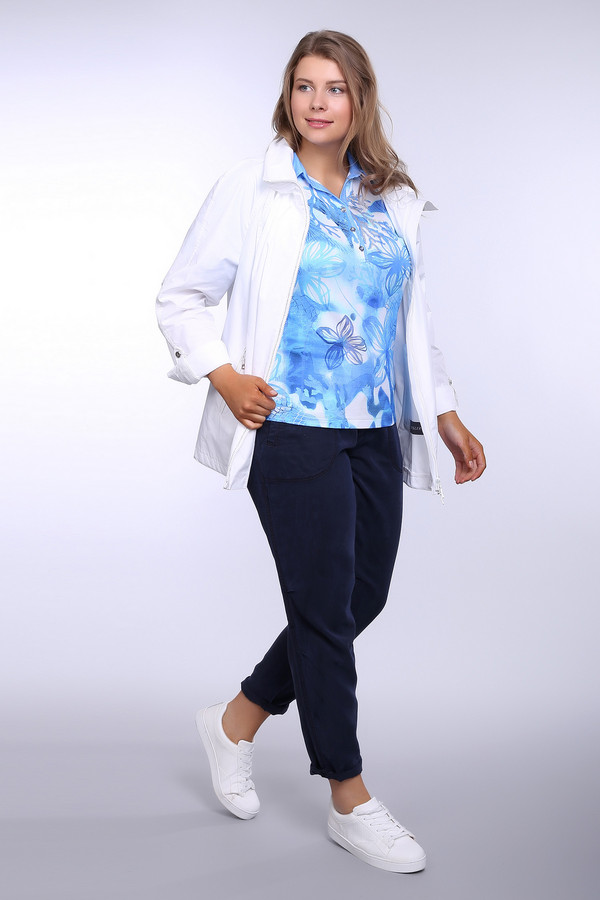 Брюки OuiБрюки<br>Брюки женские синего цвета фирмы Oui. Модель выполнена прямым фасоном. Изделие дополнено пришивным поясом, застежка молния на тесьму, рукавами, накладными карманами, задним, прорезным карманом. Ткань состоит из 100% лиоцела. Сочетать можно с различными блузками, футболками, пуловерами.