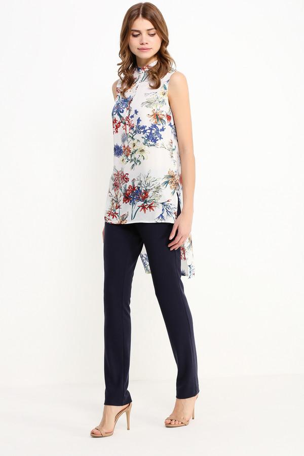 Блузa FINN FLAREБлузы<br>Блузка без рукавов и с длинной спинкой не нуждается ни в каких дополнениях! Такая модель вполне может стать оригинальным выбором как для прогулки по городу, так и для дружеской вечеринки. Уникальный цветочный принт в сине-красных тонах на молочном фоне позволит вам комбинировать эту блузку с брюками и джинсами в тон. Выполнена модель из лёгкой и приятной на ощупь вискозы.<br><br>Размер RU: 52<br>Пол: Женский<br>Возраст: Взрослый<br>Материал: вискоза 100%<br>Цвет: Разноцветный