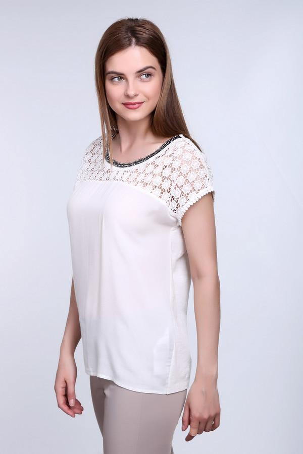 Футболка TaifunФутболки<br>Блуза - футболка фирмы Taifun белого цвета. Модель прямого фасона, длина до бедер. Ворот круглый- отсрочен черным кружевом . Рукав цельнокроеный короткий реглан. Изделие дополнено пришивной кокеткой, которая выполнена из кружев ришелье. Все это создает нарядность данной блузке и легкость .<br><br>Размер RU: 48<br>Пол: Женский<br>Возраст: Взрослый<br>Материал: хлопок 100%<br>Цвет: Белый