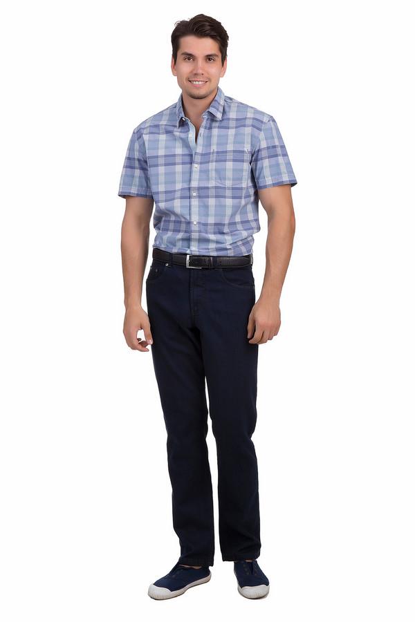 Классические джинсы BraxКлассические джинсы<br>Классические джинсы от бренда Brax прямого фасона выполнены из темно-синего денима. Изделие дополнено: шлевками для ремня, пятью стандартными карманами и застежкой-молния с пуговицей.<br><br>Размер RU: 56(L34)<br>Пол: Мужской<br>Возраст: Взрослый<br>Материал: эластан 2%, полиэстер 14%, хлопок 52%, модал 32%<br>Цвет: Чёрный