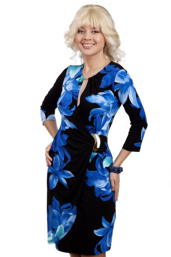 Вечернее платье Joseph RibkoffВечерние платья<br>Очень элегантное модное платье с запахом Joseph Ribkoff до колена. Благодаря своему составу, оно отлично тянется, поэтому очень удобное и идеально садится по фигуре, вне зависимости от ее типа, а благодаря темным тонам, оно только сделает ее стройней и эффектней. Глубокий вырез этого платья придаст вашему образу пикантности, а пряжка оригинальности<br><br>Размер RU: 44<br>Пол: Женский<br>Возраст: Взрослый<br>Материал: полиамид 96%, спандекс 4%<br>Цвет: Синий