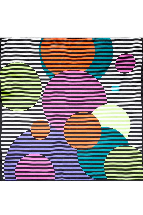 Платок SabellinoПлатки<br><br><br>Размер RU: 55 х 55<br>Пол: Женский<br>Возраст: Взрослый<br>Материал: шелк 100%<br>Цвет: Разноцветный