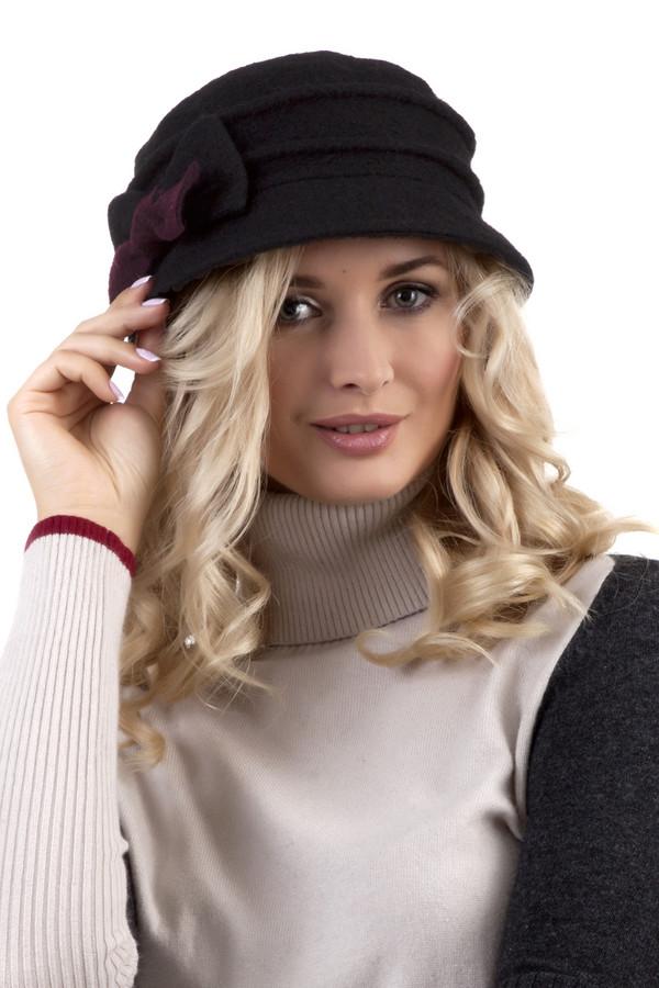 Шляпа WegenerШляпы<br>Черная шляпа Wegener дополнена стильным черно-бордовом бантом и декоративными горизонтальными складками. Подкладка из флиса.<br><br>Размер RU: один размер<br>Пол: Женский<br>Возраст: Взрослый<br>Материал: шерсть 80%, полиэстер 20%<br>Цвет: Чёрный