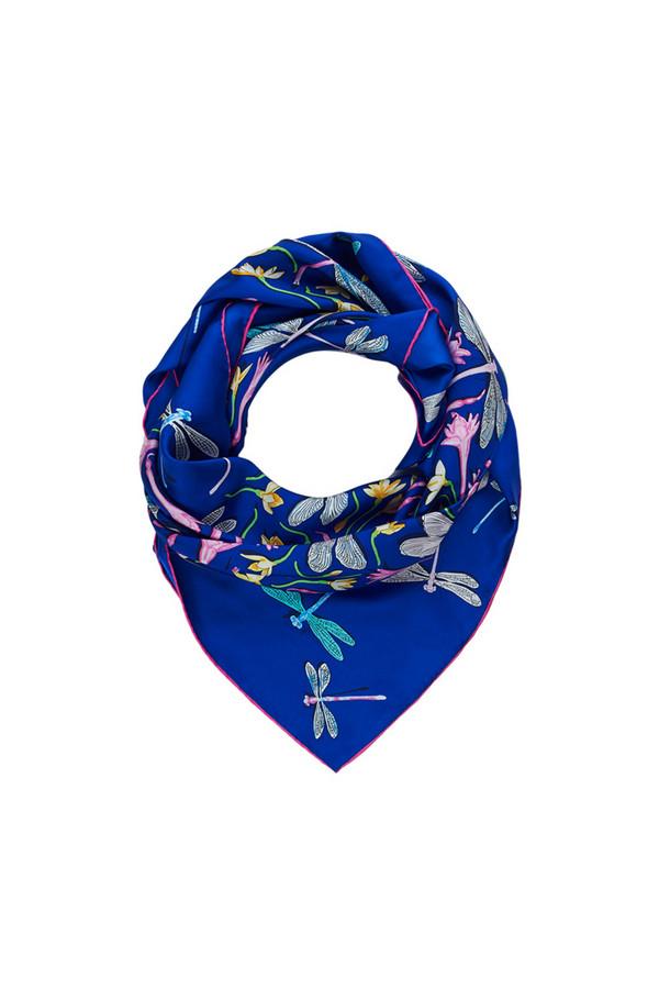 Платок PieroПлатки<br><br><br>Размер RU: 90 x 90<br>Пол: Женский<br>Возраст: Взрослый<br>Материал: шелк 100%<br>Цвет: Синий