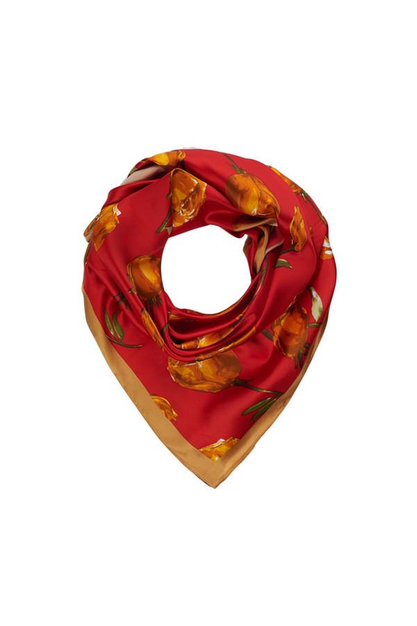 Платок SabellinoПлатки<br><br><br>Размер RU: 90 x 90<br>Пол: Женский<br>Возраст: Взрослый<br>Материал: полиэстер 100%<br>Цвет: Красный