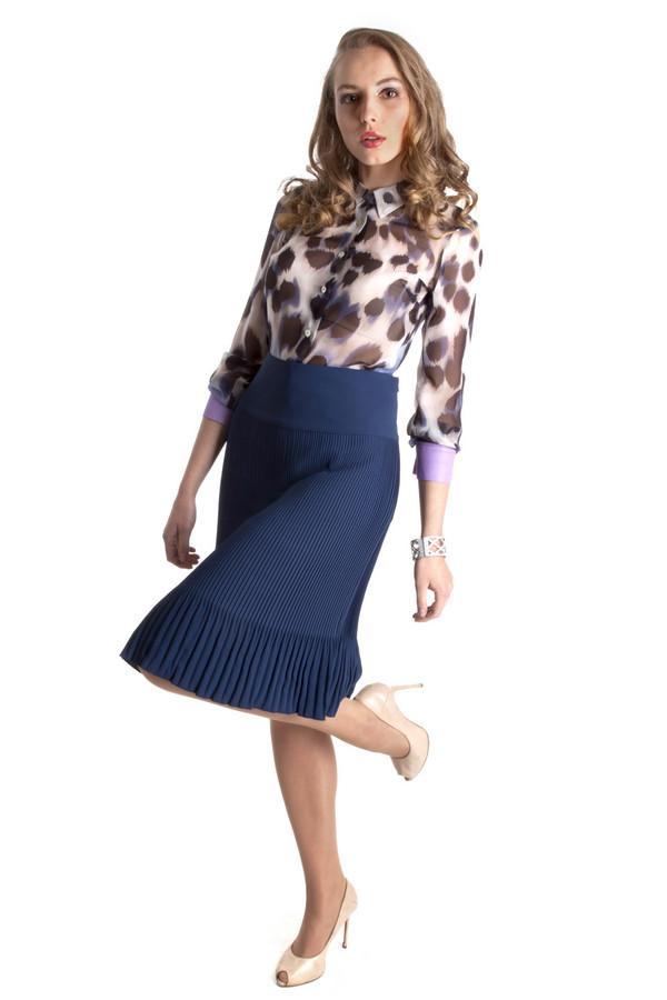 Юбка Just ValeriЮбки<br>Плиссированная легкая женственная юбка Just Valeri свободного кроя расклешенная книзу представлена в двух цветах, черном и темно-синем. Изделие дополнено сбоку скрытой молнией.<br><br>Размер RU: 44<br>Пол: Женский<br>Возраст: Взрослый<br>Материал: полиэстер 100%<br>Цвет: Синий