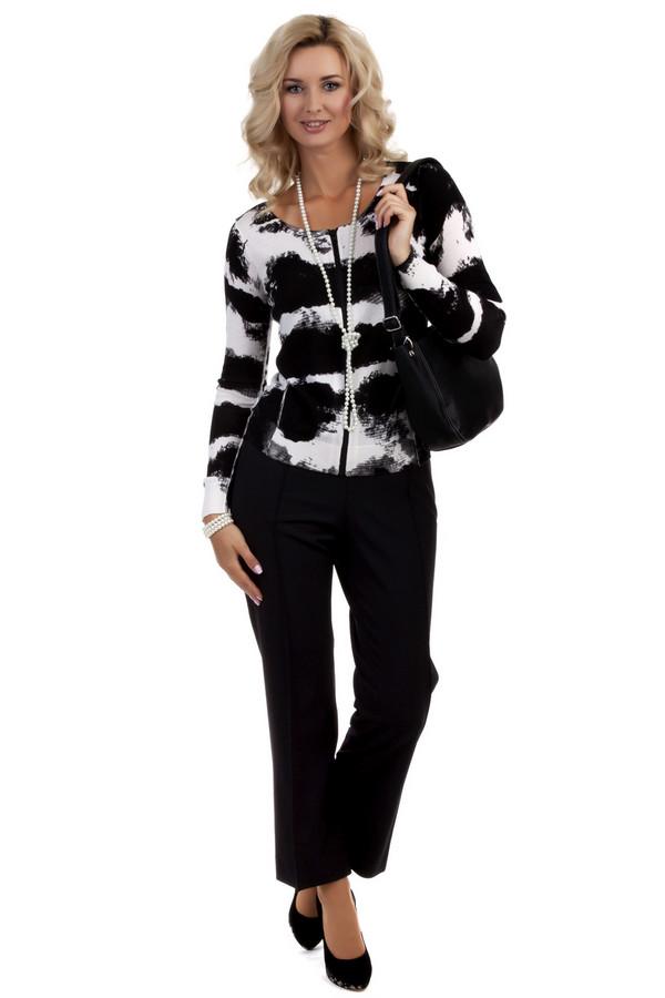 Брюки BraxБрюки<br>Черные женские брюки от бренда Brax прямого кроя. Изделие дополнено: высокой посадкой талии и классическими стрелками. Брюки идеально дополнят повседневный деловой стиль и гармонично будут смотреться с рубашками и блузами.<br><br>Размер RU: 52<br>Пол: Женский<br>Возраст: Взрослый<br>Материал: эластан 5%, полиэстер 52%, шерсть 43%<br>Цвет: Чёрный