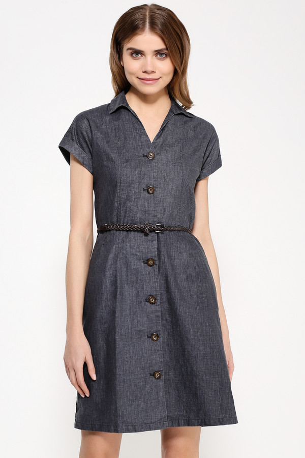 Платье FINN FLAREПлатья<br>В жаркую погоду многослойность в одежде не лучший выбор, тем более, что хочется надеть что-то лёгкое и комфортное и заниматься спокойно своими делами. Это простое платье серо-синего цвета и с короткими рукавами – именно то, что вам надо. Модель застёгивается на пуговицы, при желании можно затянуть талию на ремешке. Грамотное сочетание льна и вискозы в составе ткани позволит вам провести в этом платье хоть весь день.