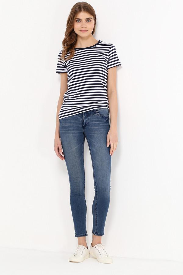 Футболка FINN FLAREФутболки<br>Полосатые топы летом уже стали классическим выбором. Дело все в том, что такая модель – компромисс между комфортом и стилем. Чуть приталенная и с короткими рукавами, эта футболка будет гармонично смотреться с джинсами, брюками, юбками и шортами в стиле casual. Выполнена из качественного и износостойкого хлопка.<br><br>Размер RU: 52<br>Пол: Женский<br>Возраст: Взрослый<br>Материал: хлопок 100%<br>Цвет: Разноцветный