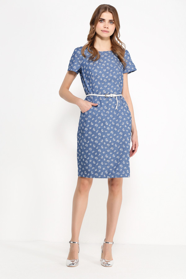 Платье FINN FLAREПлатья<br>Платья из денима всё ещё на пике популярности, и это вполне объяснимо: лёгкая ткань может похвастаться невероятной практичностью и комфортом, что важно для жаркого сезона. Представленная модель длиной до колена и с короткими рукавами отлично впишется в ваш повседневный гардероб. Оно выполнено в мелкие белые цветочки, расположенные на синем фоне. Платье можно опоясать ремешком, который идет в комплекте.<br><br>Размер RU: 52<br>Пол: Женский<br>Возраст: Взрослый<br>Материал: хлопок 100%<br>Цвет: Голубой