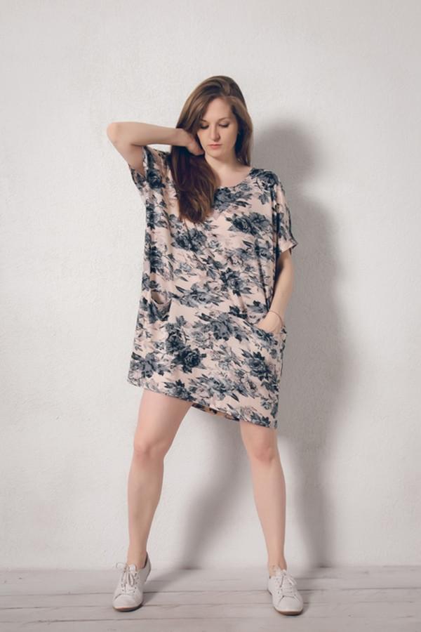 Платье MARUSЯПлатья<br><br><br>Размер RU: 48/50<br>Пол: Женский<br>Возраст: Взрослый<br>Материал: эластан 8%, вискоза 92%<br>Цвет: Разноцветный