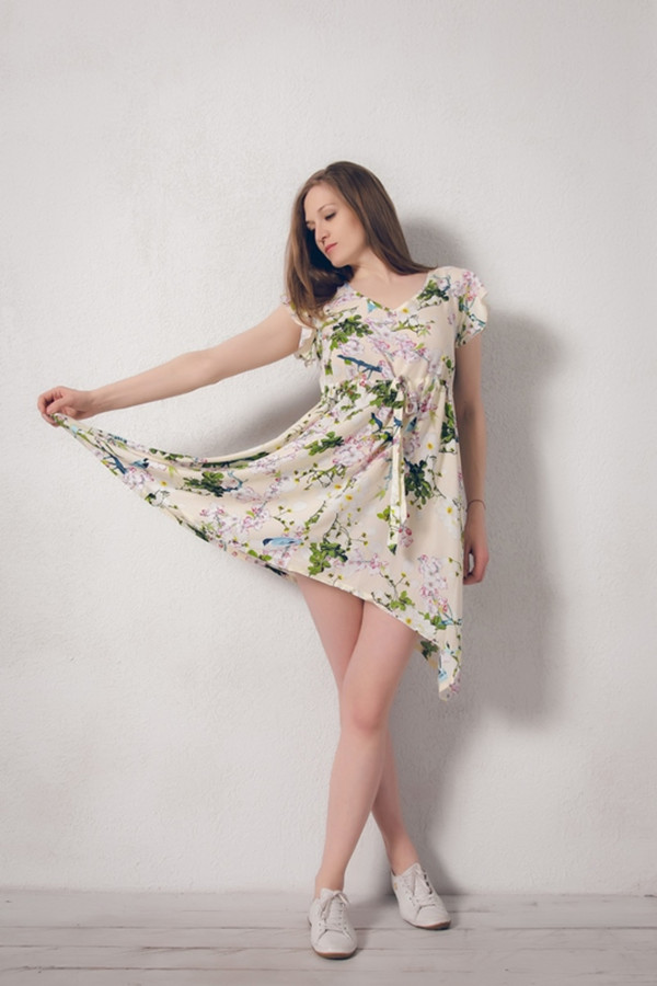 Платье MARUSЯПлатья<br><br><br>Размер RU: 48/50<br>Пол: Женский<br>Возраст: Взрослый<br>Материал: вискоза 100%<br>Цвет: Бежевый