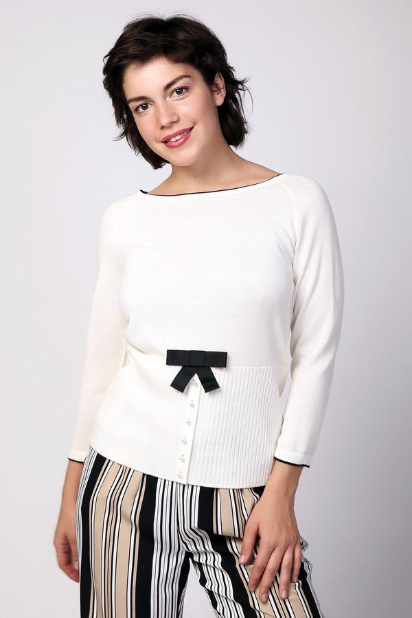 Пуловер PezzoПуловеры<br><br><br>Размер RU: 52<br>Пол: Женский<br>Возраст: Взрослый<br>Материал: шерсть 50%, полиакрил 50%<br>Цвет: Белый