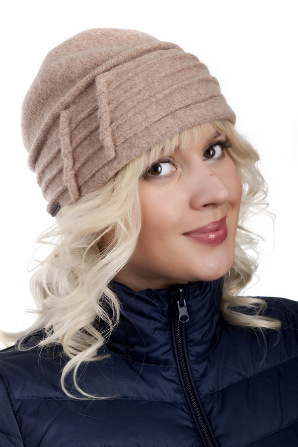 Шляпа SeebergerШляпы<br>Женственная шляпа Seeberger выполнена из натуральной шерсти бежевого цвета с оригинальным декором. Изделие выполнено из высококачественного материала приятного на ощупь. Без подкладки.<br><br>Размер RU: один размер<br>Пол: Женский<br>Возраст: Взрослый<br>Материал: шерсть 100%<br>Цвет: Бежевый